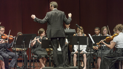 Chris Eames conducting